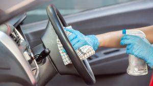 Como limpar o carro por dentro